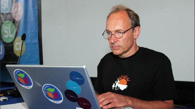 Tim Barners-Lee - Padre del Internet - Emprendedor Social
